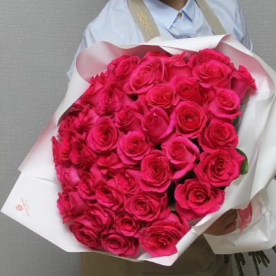 Малиновые эквадорские розы