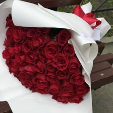 Красные эквадорские розы