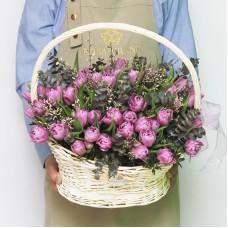Тюльпаны Ду Дабл Прайс в корзине