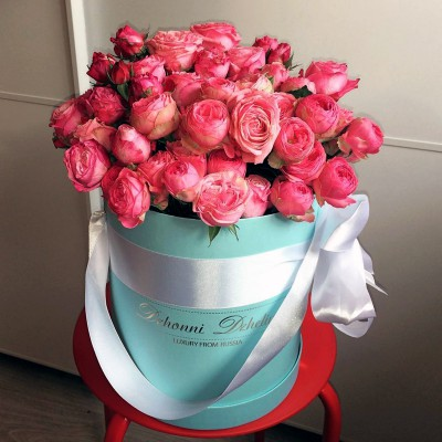 Букет кустовых роз в шляпной коробке (xs)