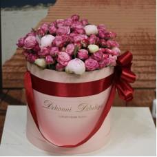 Пионовидные розы и пионы в цилиндре (M)