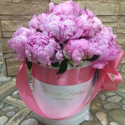 Розовые пионы в цилиндре (XS) до 19 пионов
