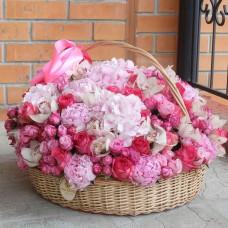 "Корзина ""Розовый микс"" диаметром 50 см"