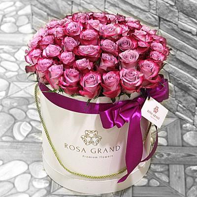 Розы Deep Purple в цилиндре (S) 31-35 роз