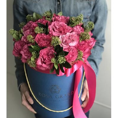 """Розы """"Кантри Блюз"""" в шляпной коробке (S) 25 роз"""