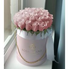Розовые розы в цилиндре (S) 31-35 роз