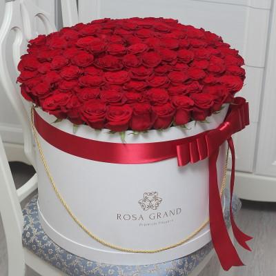 Букет из красных роз в цилиндре (XL) от 101 розы