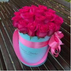 Малиновые розы в цилиндре (XS) 21-23 розы