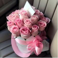 Розовые розы в цилиндре (XS) 21-23 розы