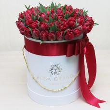 Тюльпаны Ред Принцесс в шляпной коробке S до 69 шт.
