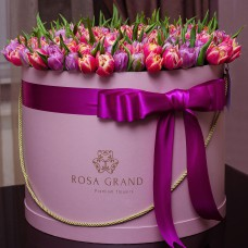 Пионовидные тюльпаны в цилиндре (XXL) от 299 тюльпанов
