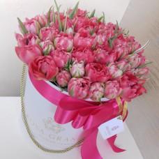 Тюльпаны Флеш Поинт в шляпной коробке S до 69 шт.