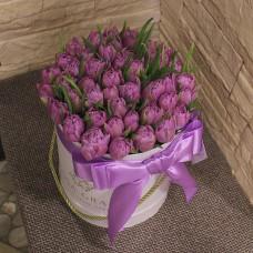 Пионовидные тюльпаны в шляпной коробке (XS) до 49 шт.