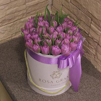 Пионовидные тюльпаны в шляпной коробке (S) до 69 шт.