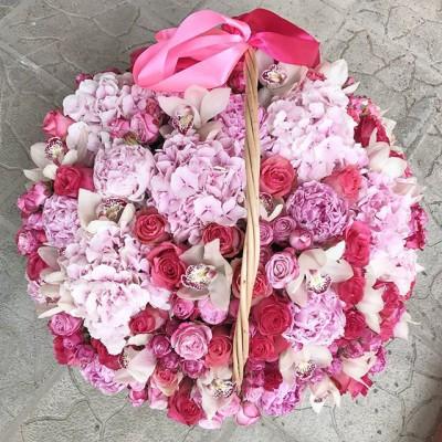 Давно удивляли любимую? ❤️❤️❤️ _______________________ 🌹🌹🌹 Диаметр корзины 60 см, эквадорские розы, орхидеи, гортензии, розы бомбастик и пионы ⠀ 24990₽ ⠀ ⠀ *Цена и состав букета зависит от сезона ⠀ ⠀ 📲 8 905 233 60 60 whatsapp / viber / telegram ⠀⠀ 🌐 Наш сайт www.rosagrand.ru ⠀ 🚗Бесплатная доставка 24/7 по Санкт-Петербургу в пределах КАД ⠀ 🌺 Все букеты под заказ из свежих цветов, срок выполнения от 4 часов ⠀ 📜Ваше послание на фирменной открытке в подарок! ⠀ 📷Фото букета до доставки и с получателем ⠀ _____________________ #rg_микс #rg_xl_микс #rg_корзина
