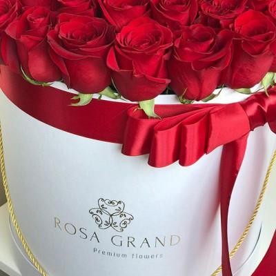 Будьте непредсказуемы, дарите цветы без повода. ⠀ 🌹🌹🌹 ⠀ ⠀ 📲 8 905 233 60 60 whatsapp / viber / telegram ⠀⠀ 🌐 Наш сайт www.rosagrand.ru ⠀ 🚗Бесплатная доставка 24/7 по Санкт-Петербургу в пределах КАД ⠀ 🌺 Все букеты под заказ из свежих цветов, срок выполнения от 4 часов ⠀ 📜Ваше послание на фирменной открытке в подарок! ⠀ 📷Фото букета до доставки и с получателем ⠀ _________________________ #rg_розы #rg_l_розы #rg_красные_розы